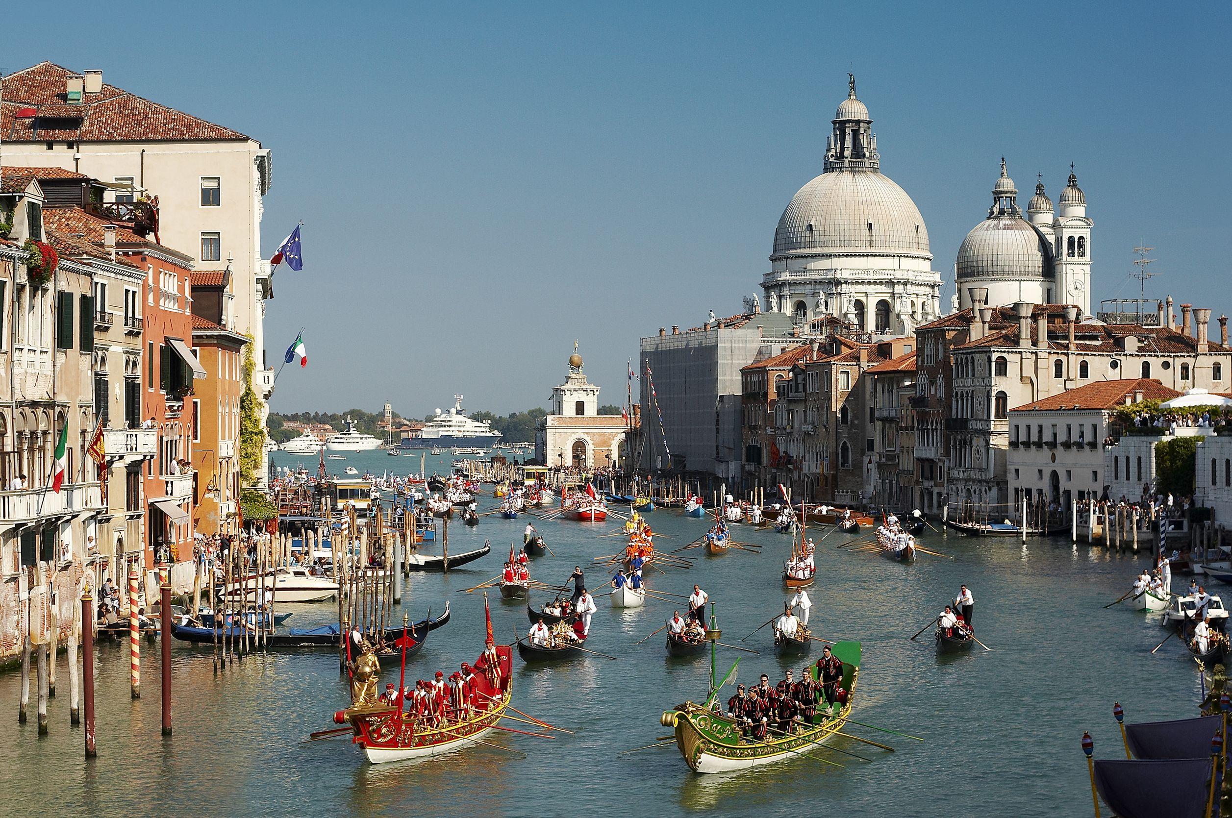 Voga Alla Veneta & Regata Storica – Venice, Italy : World Festival ...